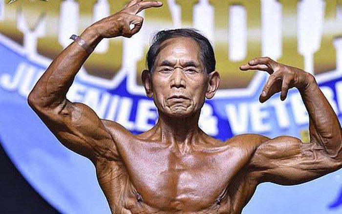 """Tập thể hình để làm vợ vui lòng, cụ ông 81 tuổi sở hữu cơ bắp cuồn cuộn """"ăn đứt"""" thanh niên"""