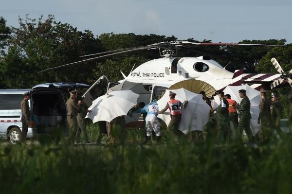 Đã cứu được 8 người của đội bóng Thái mắc kẹt, thông tin HLV ra khỏi hang là không đúng