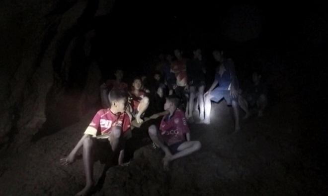 Đã tìm thấy đội bóng Thái mắc kẹt 9 ngày trong hang động, tất cả đều sống sót kỳ diệu