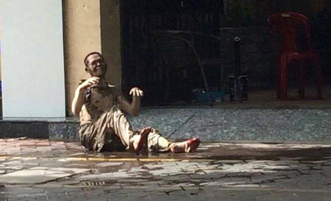 Hải Phòng chấn động vì một người đàn ông tẩm xăng tự thiêu trên vỉa hè