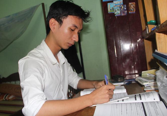 Nam sinh đạt 9,75 môn Văn kỳ thi THPT Quốc gia nhờ học nhiều trên mạng xã hội