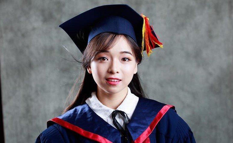 Nghe cô nàng xinh đẹp, tốt nghiệp điểm 10 khoa Triết tư vấn để không như nữ sinh khóc vì 8 điểm Triết