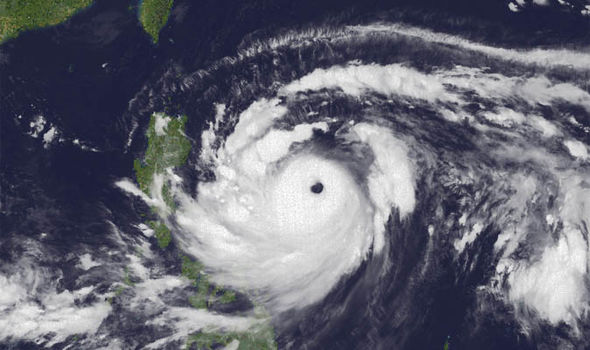 Tận mắt chứng kiến sức mạnh của siêu bão Mangkhut qua ảnh vệ tinh Himawari-8