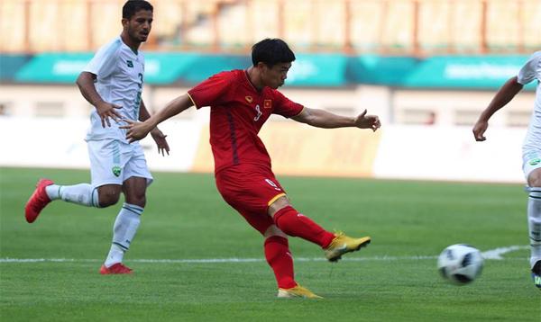 Việt Nam 2-0 Pakistan (hiệp 1): Công Phượng đá hỏng penalty, Văn Quyết lập siêu phẩm