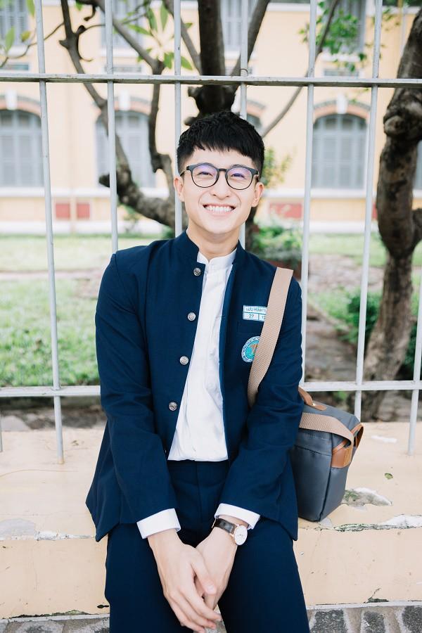 Trước khi nhan sắc biến dạng, Harry Lu từng có thời đẹp trai vạn người mê thế này đây!