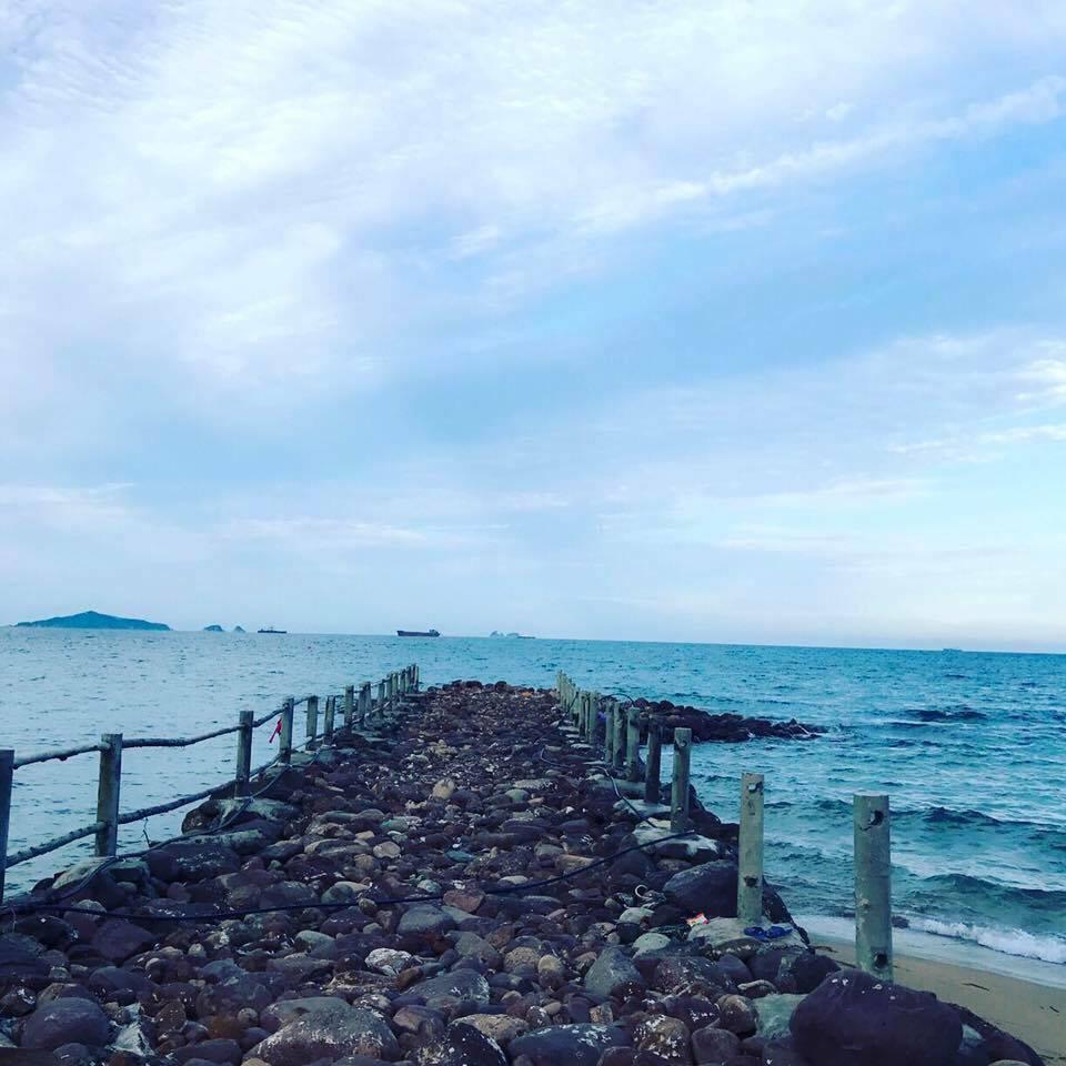 ... hoang sơ mà hè này, nếu muốn tìm một bãi biển \
