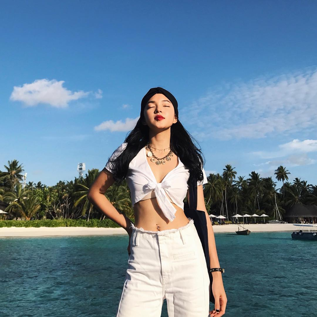 """Nhìn loạt ảnh mới này của Châu Bùi mới biết """"thiên đường trên mặt đất"""" Maldives đẹp tới cỡ nào"""
